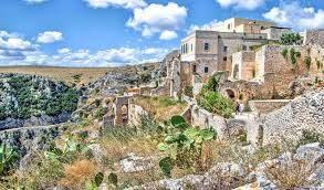 Visita all'abbazia, agli eremi di Pulsano, al castello e al santuario di San Michele Arcangelo