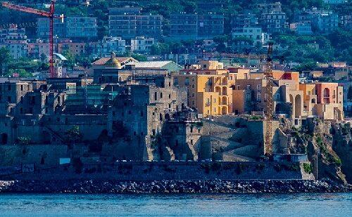 Visita al Castello Aragonese e Museo Archeologico dei Campi Flegrei, Teatro Flavio e Rione Terra di Pozzuoli